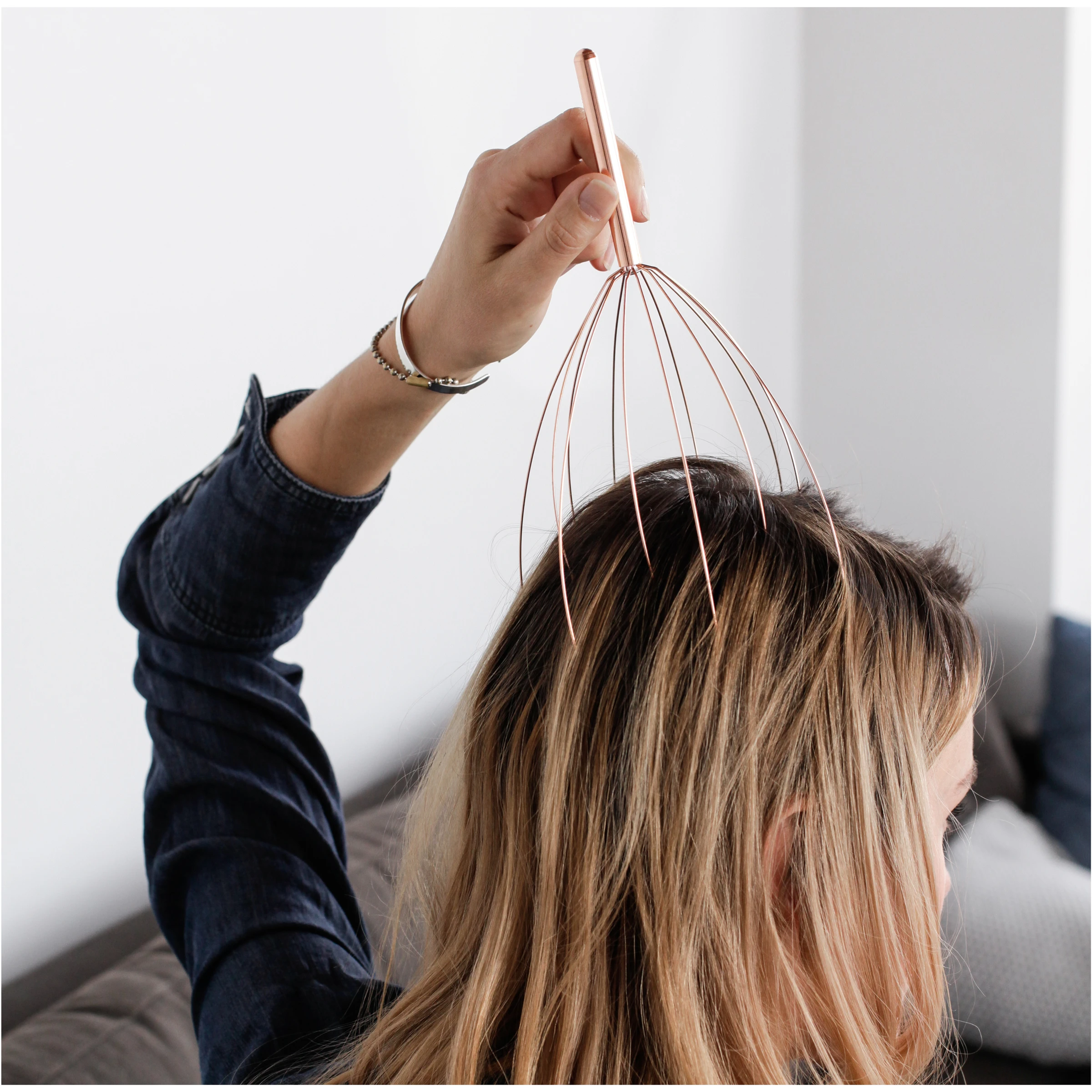 Head Massager in action