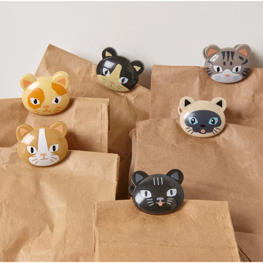 Cat Bag Clips in action