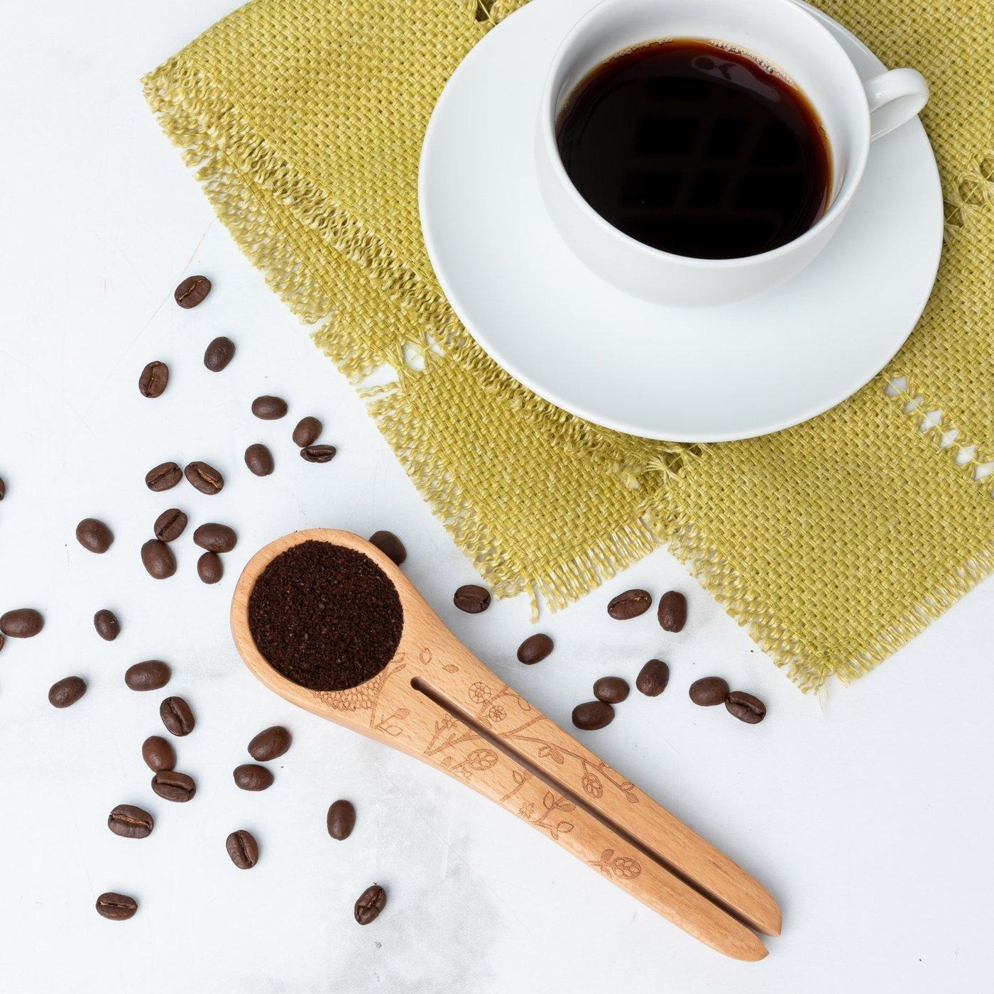 Woodland Hedgehog Coffee Scoop in action