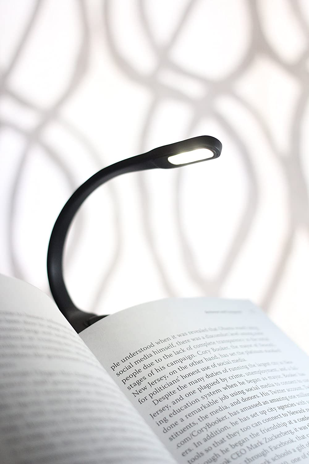 Recharge Booklight in action