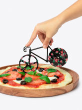 Fixie Pizza Cutter in action